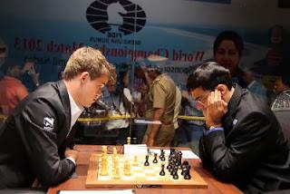 La première partie entre Carlsen et Anand a accouché d'une souris, nulle en 16 coups - Photo © site officiel