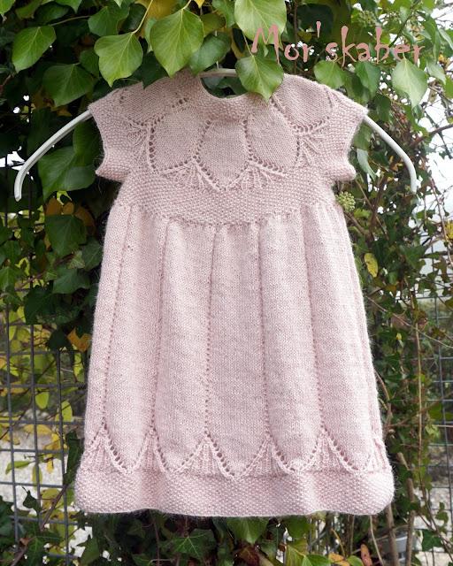 strikket pigekjole