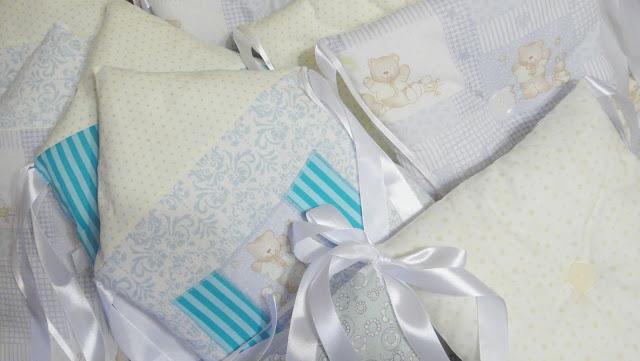 Домики - подушки с мишками, дверками, ставнями. Подарок новорожденному - комплект в кроватку