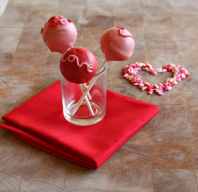 Valentine S Day Cake Pop Decorating Ideas : Vanilla Clouds and Lemon Drops: Valentines Cake Pops