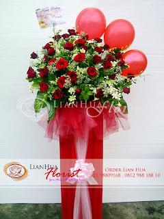 bunga standing flowers, bunga ucapan pernikahan, bunga ucapan selamat & sukses, congratulations flowers, toko bunga jakarta, rangkaian bunga minimalis
