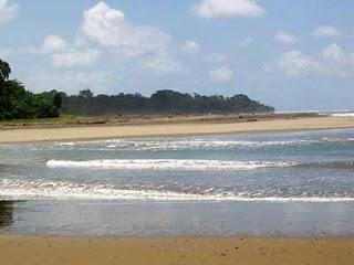 Pantai Cijeruk Indah untuk berperahu dan memancing