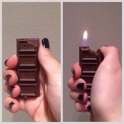 Accendino a forma di barretta al cioccolato