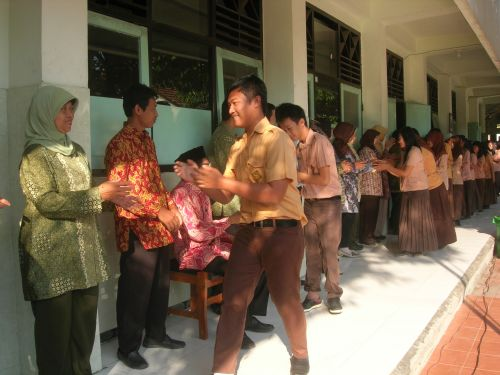 Halal Bihalal Siswa dan Guru SMA Negeri 22 Surabaya