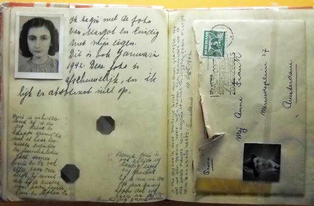 Сторінки щоденнику Анни Франк із різними почерками