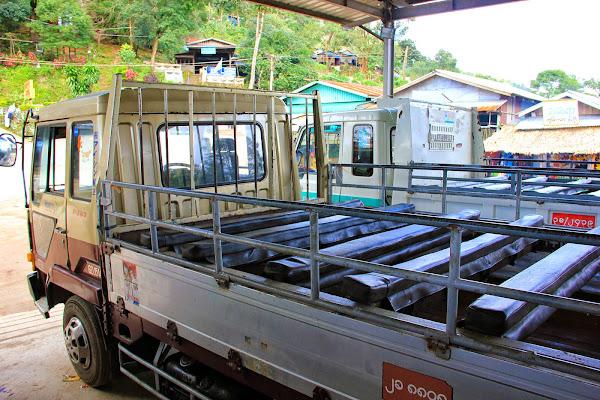 Autobus a Kyaiktiyo (roca dorada) - Myanmar