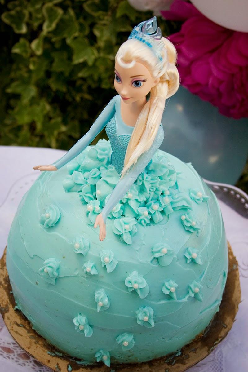 Tarta muñeca Elsa de Frozen - Cumpleaños Frozen7