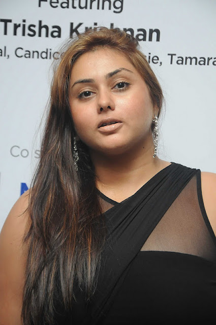 @ uniq presenting sidney sladen event actress pics