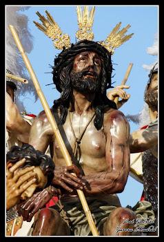 VI Estación. Jesús es flagelado y coronado de espinas