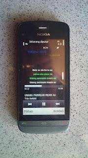 lirik lagu di handphone