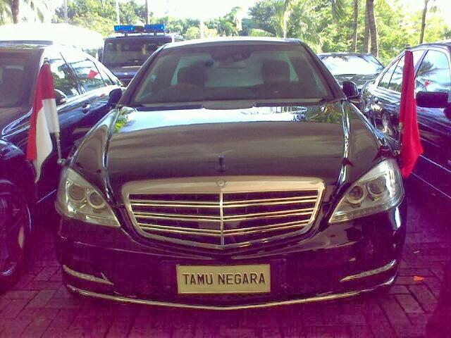 Rental sewa mobil mercedes benz alphard vellfire camry for Mercedes benz alphards
