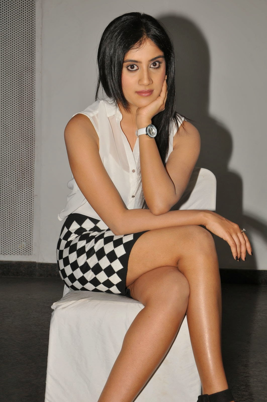 Dhanya Balakrishna Latest Glamorous Photos-HQ-Photo-3