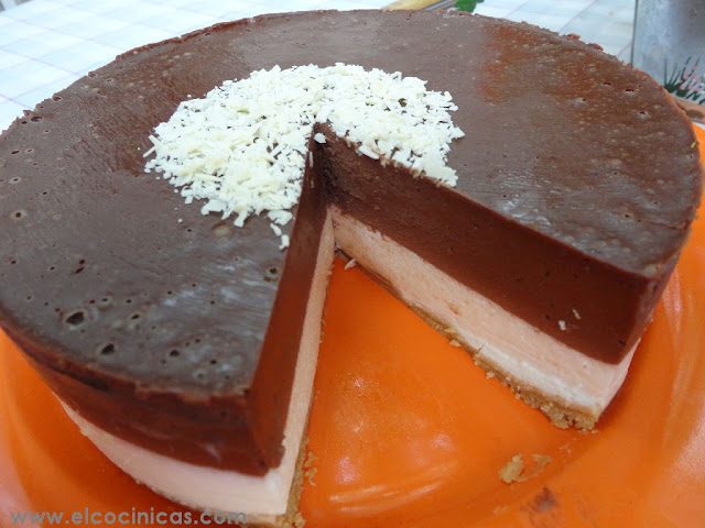 Tarta de limón y chocolate con mascarpone sin horno