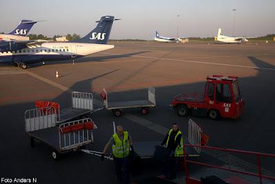 flygplats, landvetter, airport, sas, scandinavian airlines, bagage, lastning, lasta av på bagage