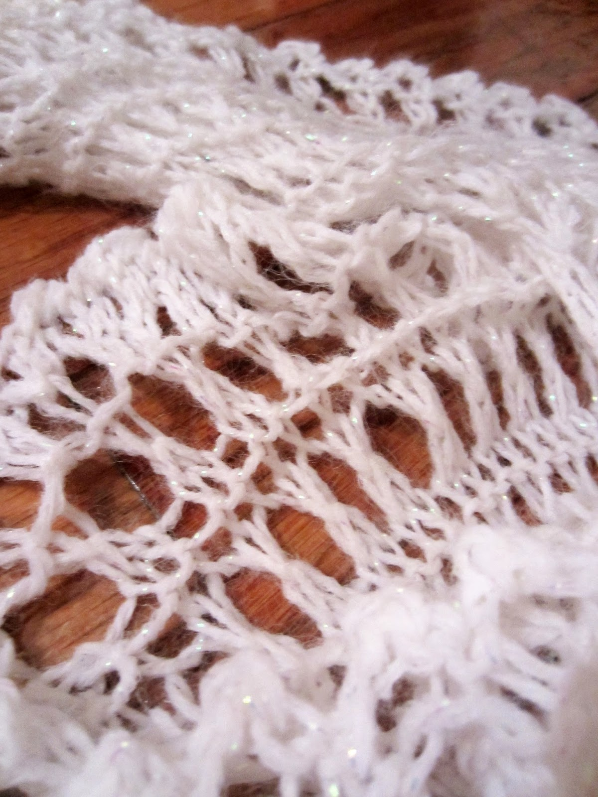 Snowflake Lace Knitting Pattern : Violets Silver Lining: Free Knitting Pattern: Ruffle Lace Snowflake Scarf