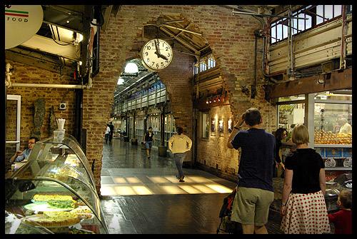 http://1.bp.blogspot.com/-cMyTpvr0A2k/TpuG4O0nzhI/AAAAAAAAAJI/J2YVKTplNDA/s1600/chelsea_market.jpg