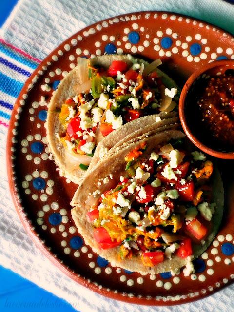 Tacos de Flor de Calabaza - lacocinadeleslie.com