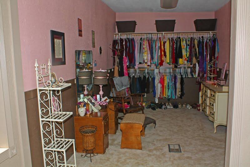 Big house blog terri 39 s closet stocked for Big house blog
