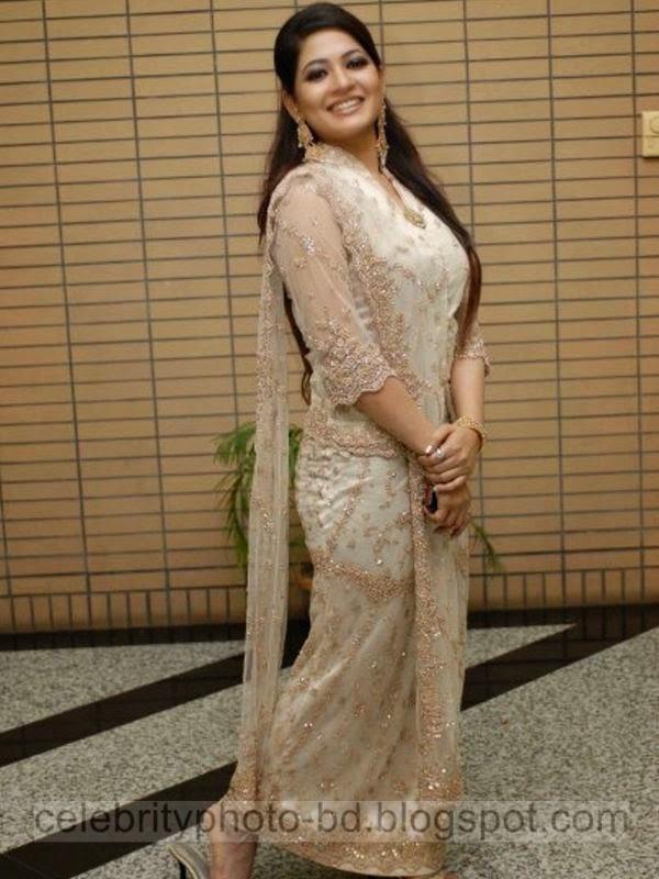 Azmeri Haque Badhon gorgeous appear style Sari style Image