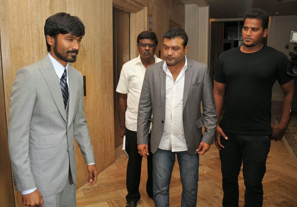 Dhanush at Idea film fare awards-HQ-Photo-20