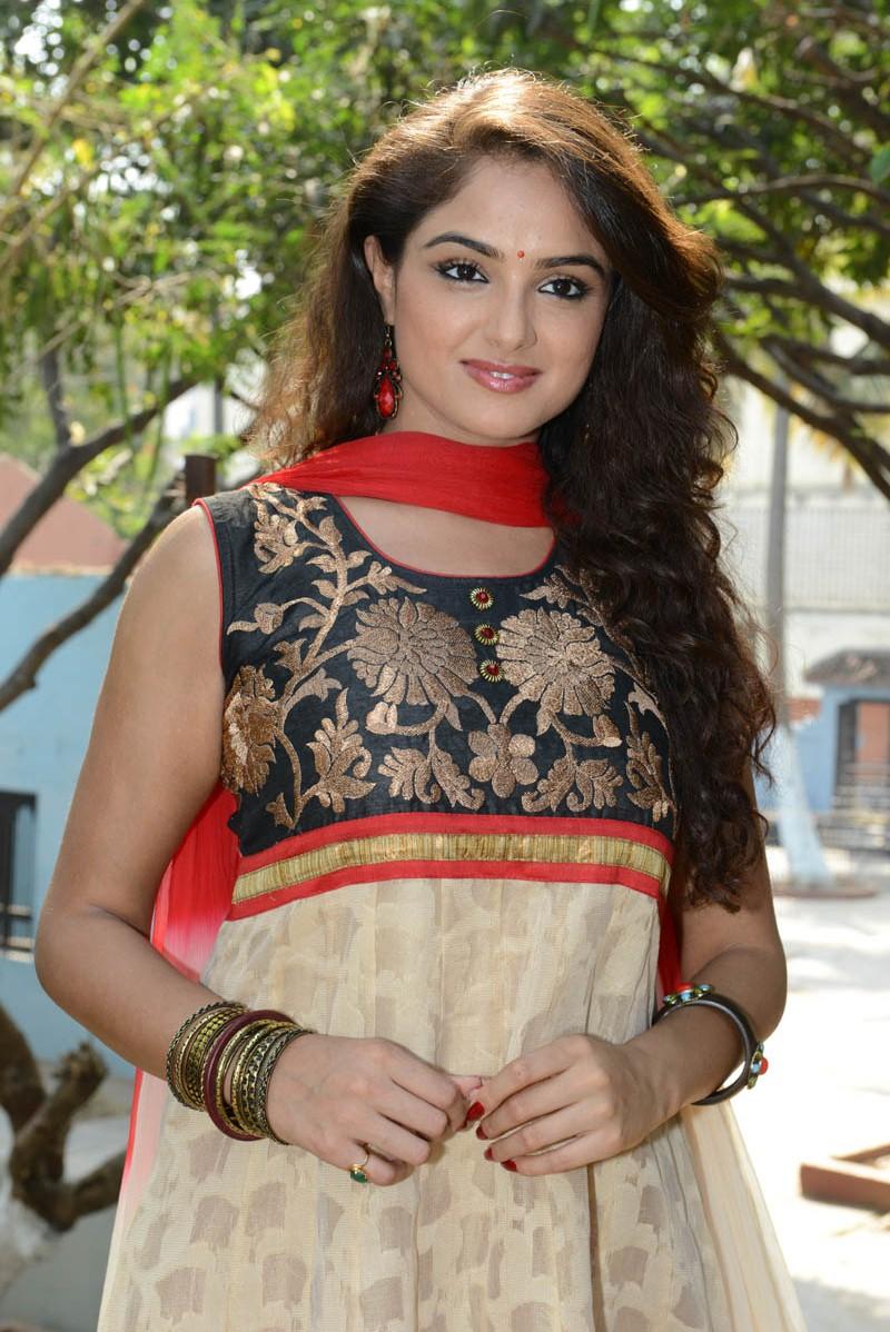 Asmita | Asmita Sood | Indian models, Celebs, Legs - Pinterest