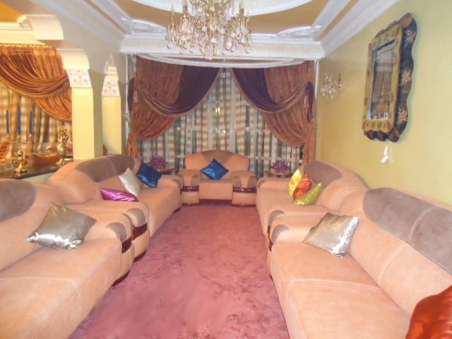 الصالونات المغربية بالوان زاهية 5.jpg