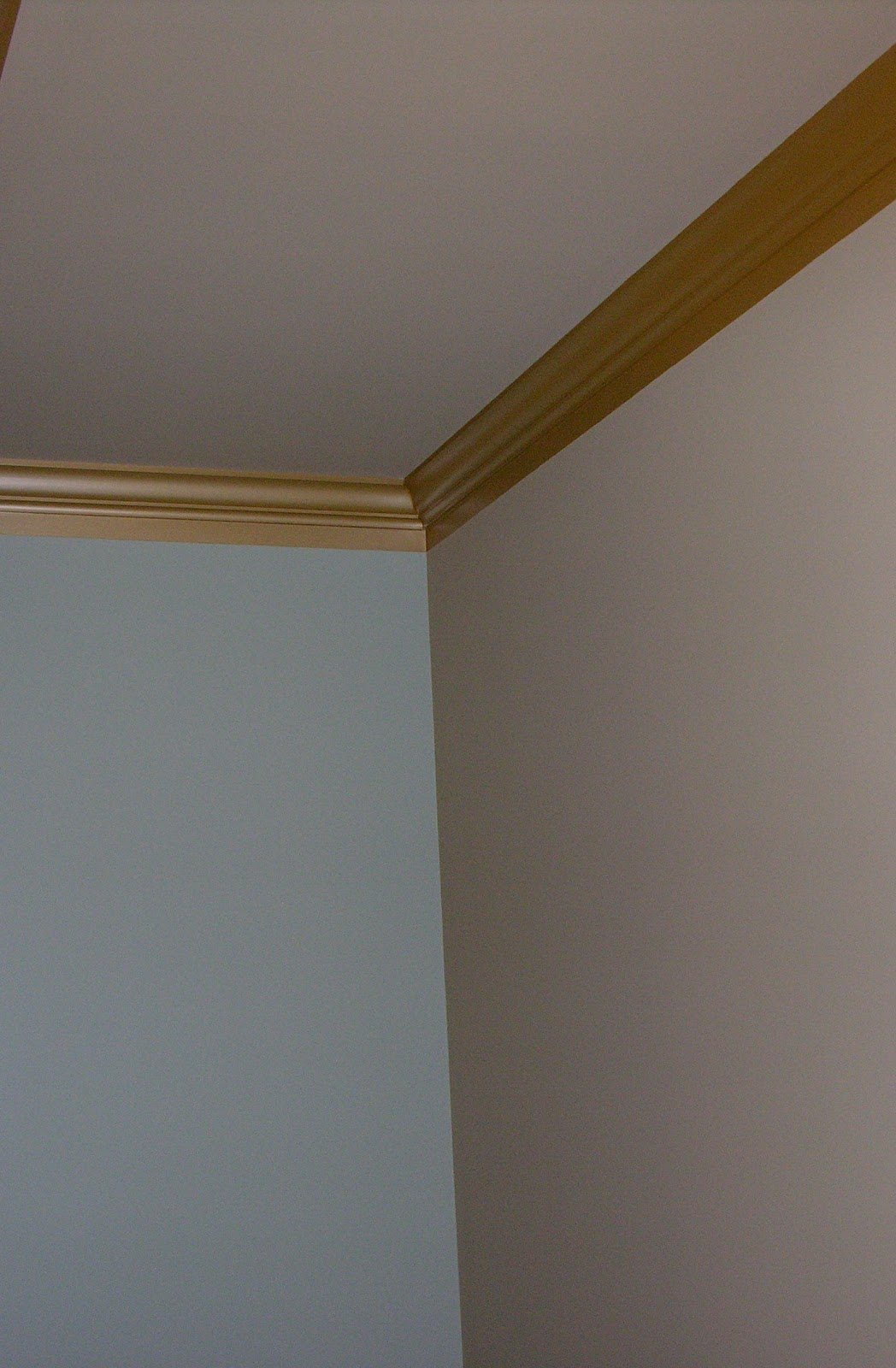 Sandy at sterling property services low cost solutions for Cost to paint baseboard