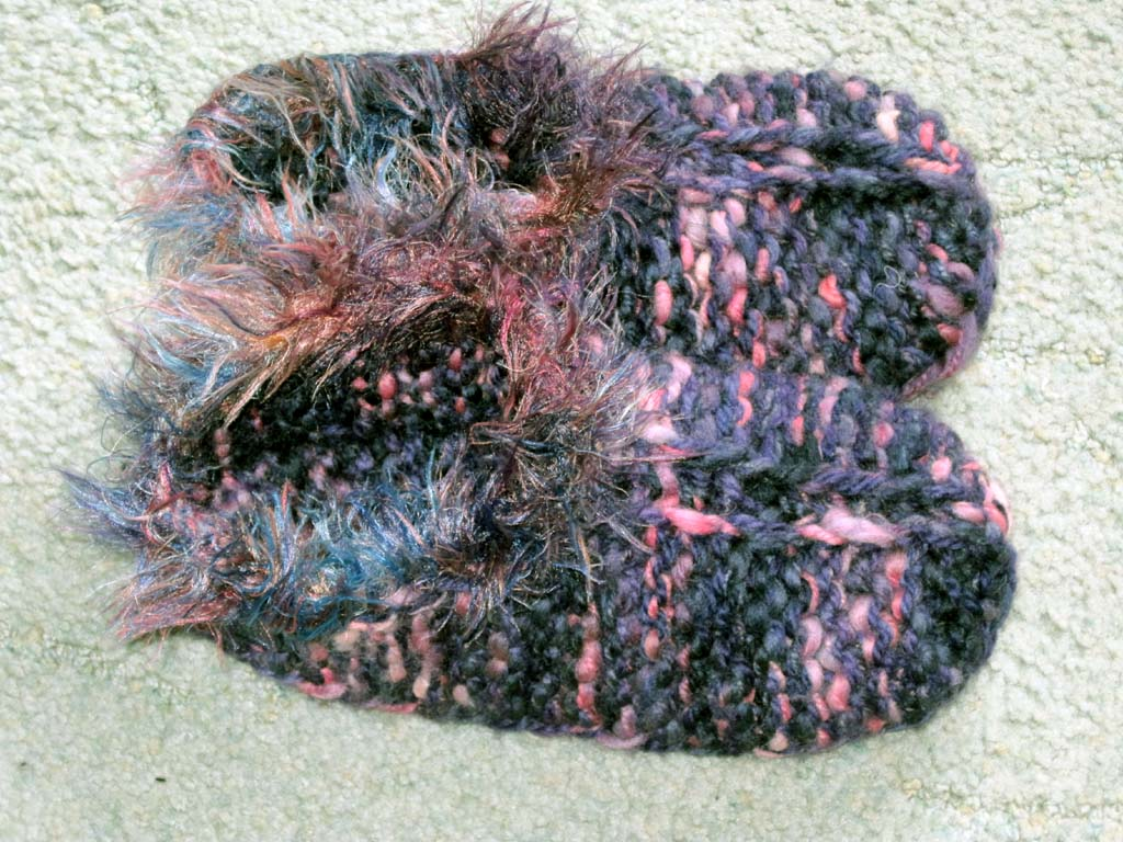 Knitting and More: Rosie\'s Slippers Pattern