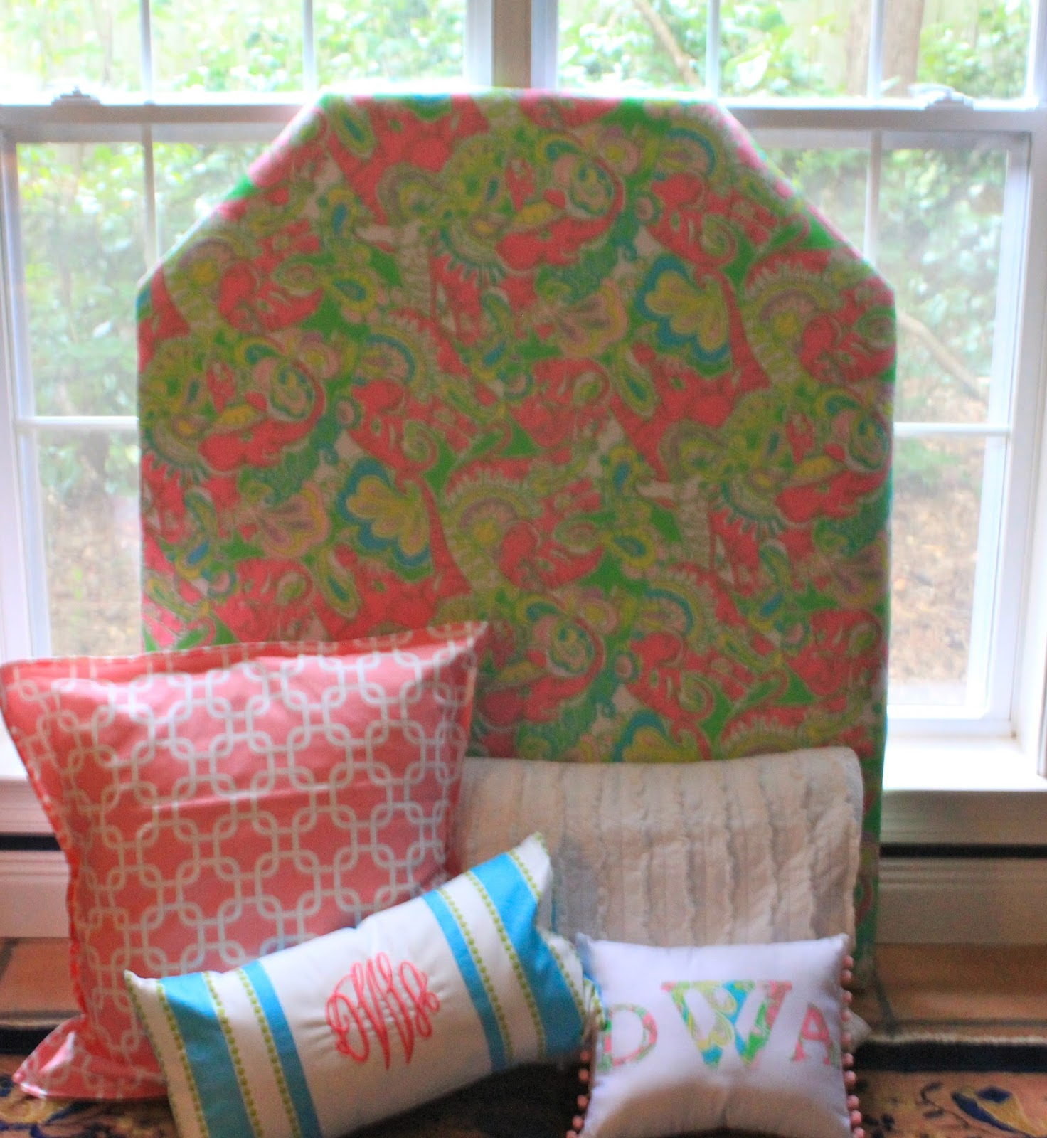 Prep In Your Step: Dorm It Yourself: Fabric Covered Headboard