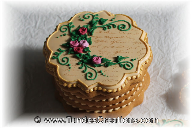 Gingerbread box by Tunde Dugantsi