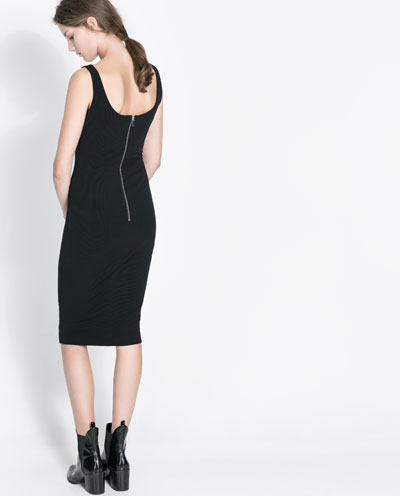 siyah elbise, kısa elbise, uzun elbise, transparan elbise, kırmızı elbise, beyaz elbise, mavi elbise, kışlık elbise, dekolteli elbise, kolsuz elbise, kemerli elbise, şifon elbise, çiçekli elbise , desenli elbise, klasik elbise, bol kesim elbise, gece elbisesi, günlük elbise, fermuarlı elbise