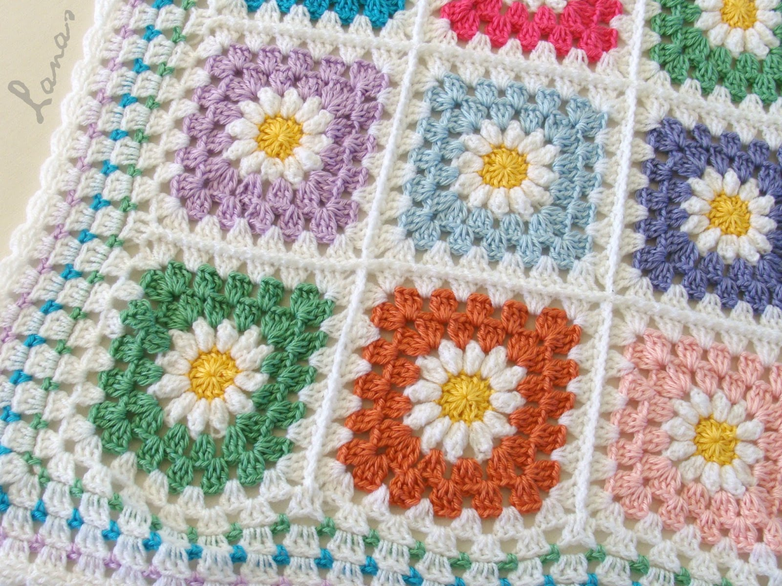 Crochet Daisy Flower Blanket Pattern : Lanas de Ana: Daisy Blanket