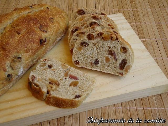 Pan con Pasas, Anacardos y Bacon caramelizado