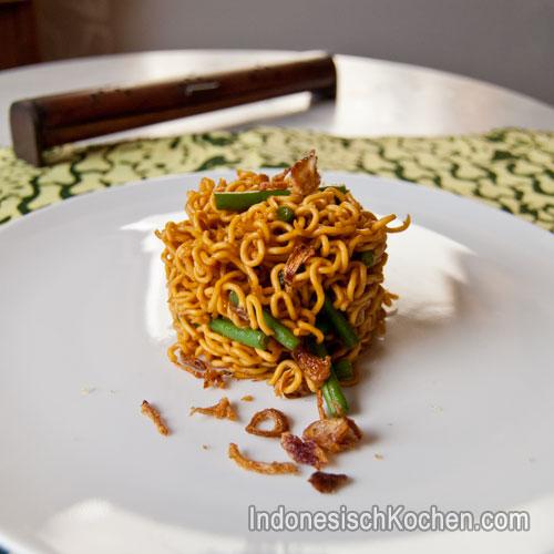 Gebratene nudeln mit Bohnen Rezept indonesisch vegetarisch