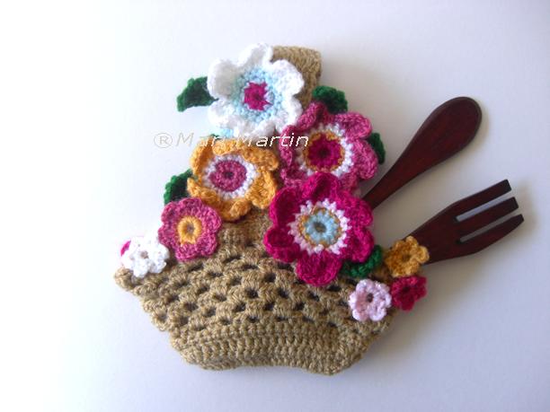 Crochet Flower Girl Basket Pattern : Abril crochet colorful