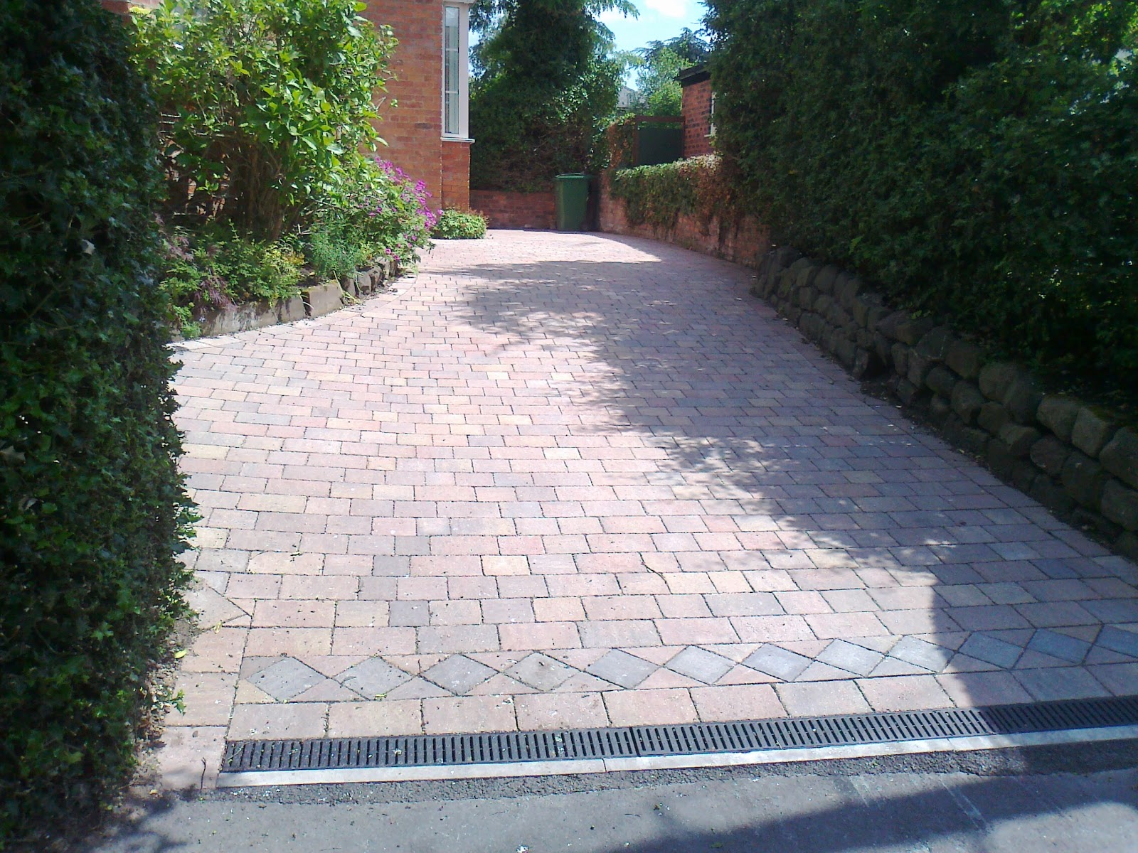 Sale Fencing and Surfacing Ltd - driveways Manchester: Driveways