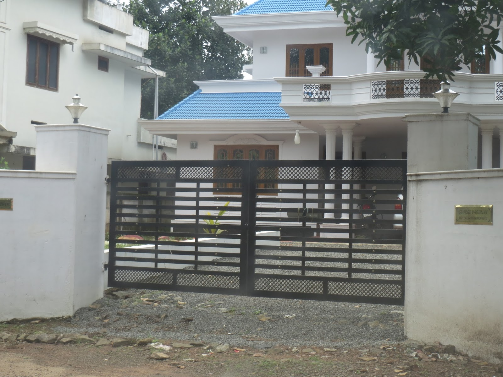 Kerala gate designs more kerala gate designs for Home gate design