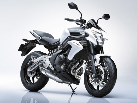 2012 Kawasaki ER6n Review, Pictures and Specs