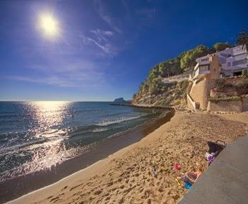 Strand El Portet in Moraira aan de Costa Blanca in Spanje