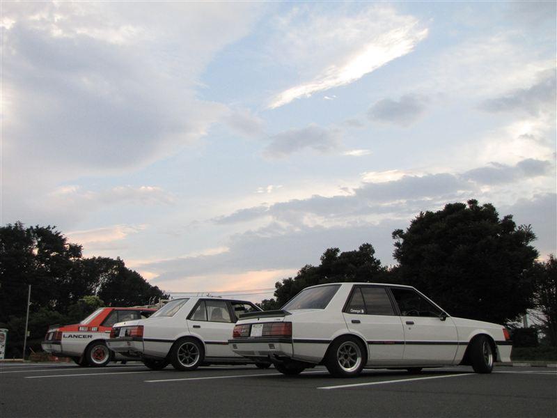 Mitsubishi Lancer druga generacja, kultowe auta, sportowy sedan, japońskie auto, motoryzacja z lat 80, nostalgic