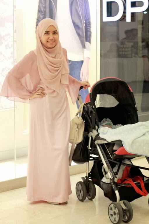 Style Inspiration: Semakin Cantik dengan Jilbab Warna Pink