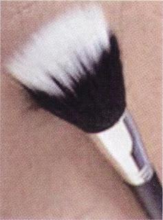 maquiagem pincel base