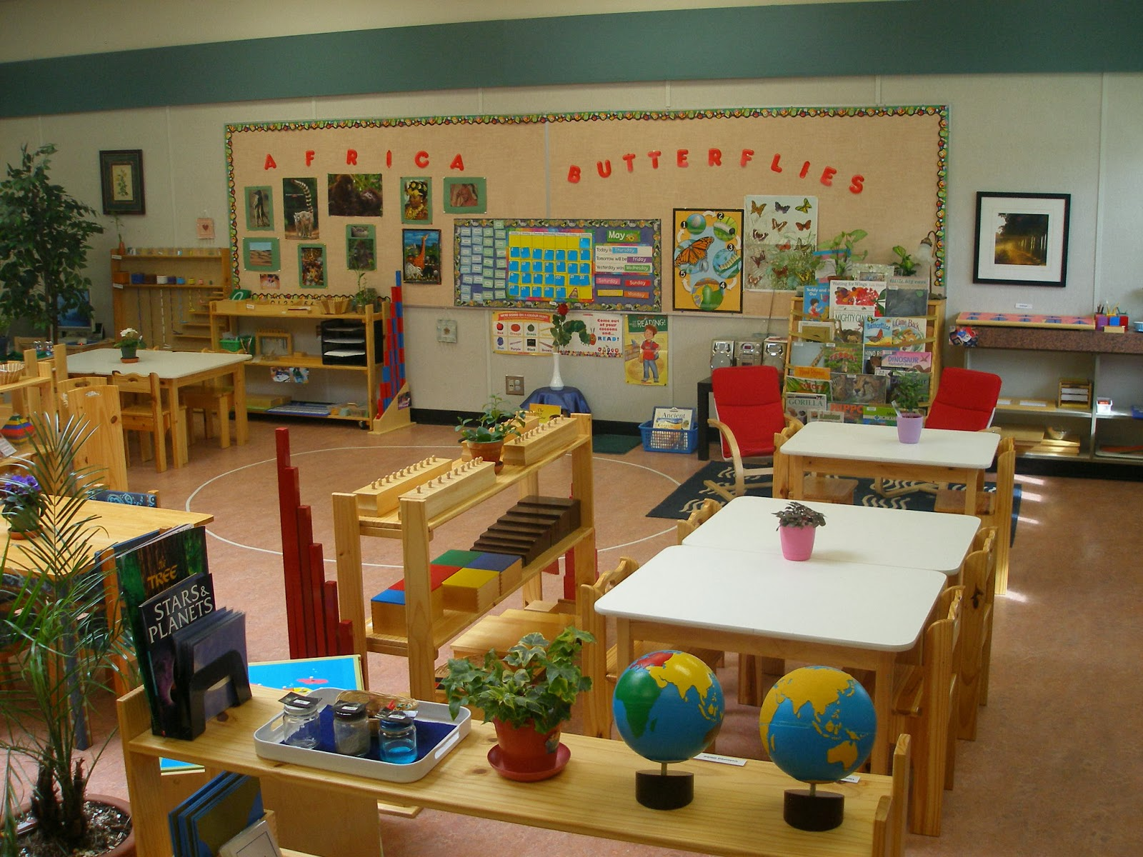 "montessori prepared environment essay Maria montessori's idea of a ""prepared environment"" is realized in a milieu or setting in which everything a child comes in contact with facilitates and."