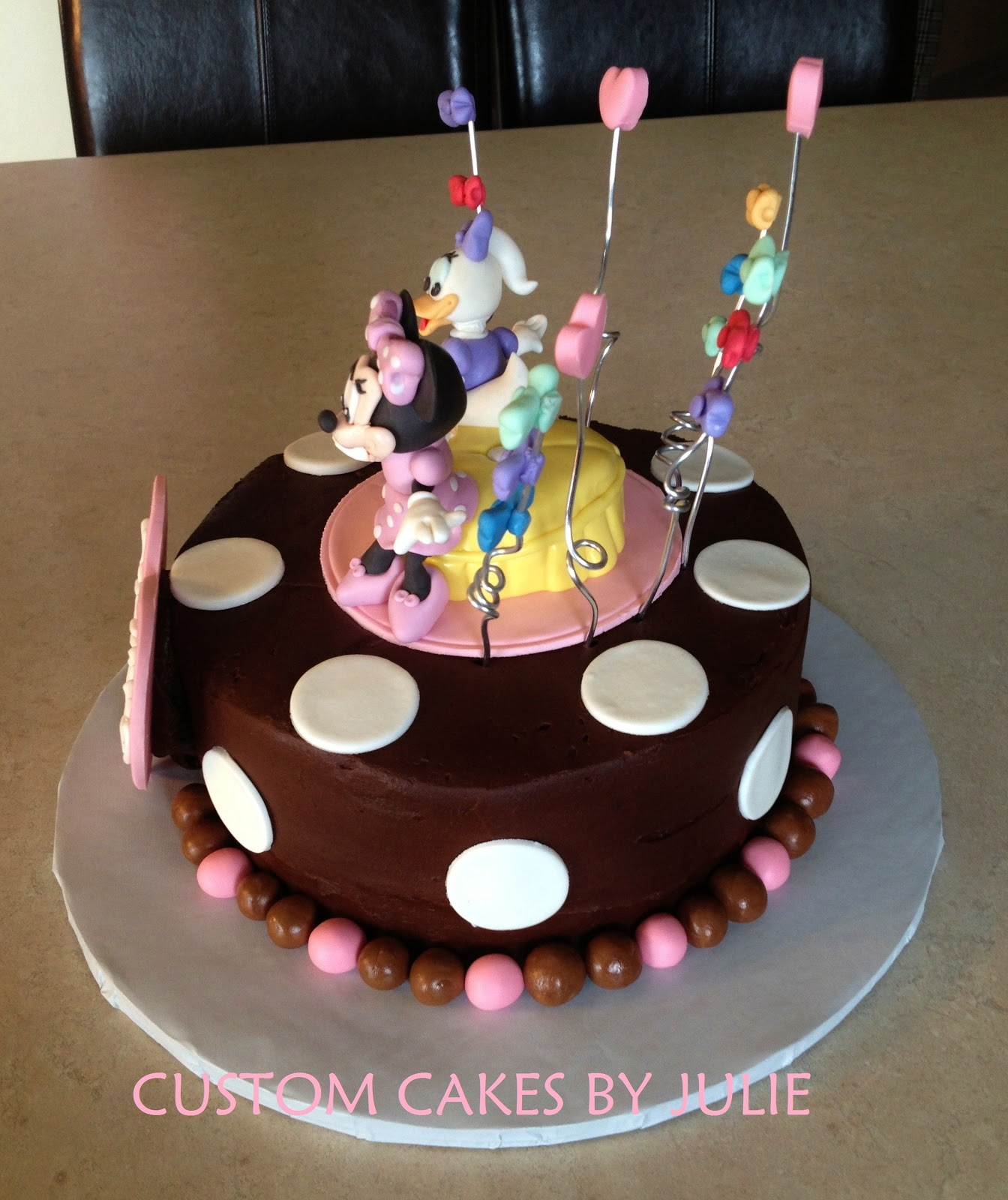 Custom Cakes By Julie Minnie Mouse And Daisy Duck Bowtique Cake