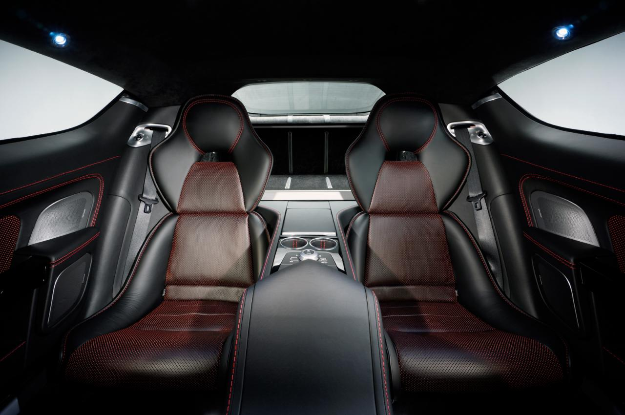 [Resim: Aston+Martin+Rapide+S+4.jpg]