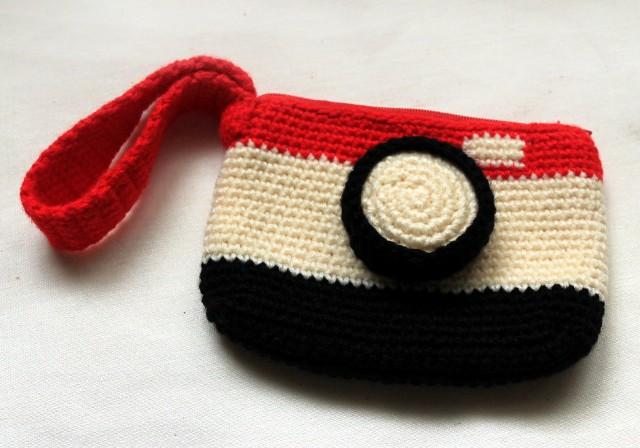 crochet camera pouch