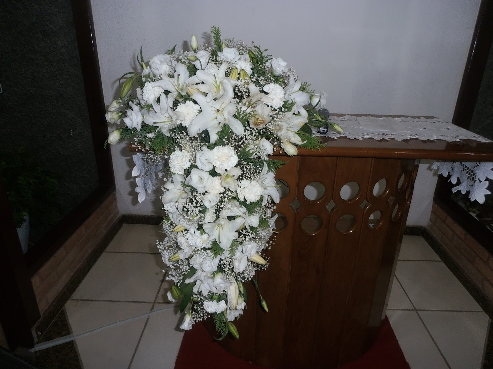 Faça você mesmo meu amor Arranjo floral para cerimônia  - Fotos De Arranjos De Flores Para Igreja