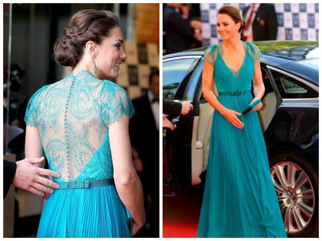 Vestido longo de renda azul turquesa