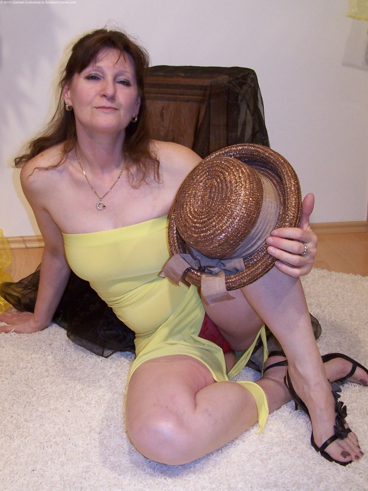 Southern charms mature pantyhose retro fuck picture