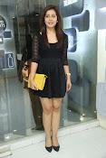Rashi Kanna latest glam pics-thumbnail-2